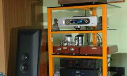 s_3QG6-Audio-Stand.jpg