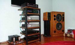 s_3QB6-walnut-Audio-Stand.jpg