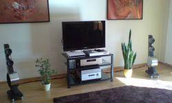 s_4QB3-Audio-Stand.jpg